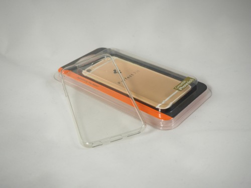 01 - Spigen Liquid Crystal Case